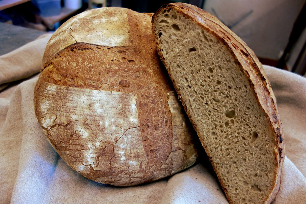 miches-pain-levain-coupe.jpg